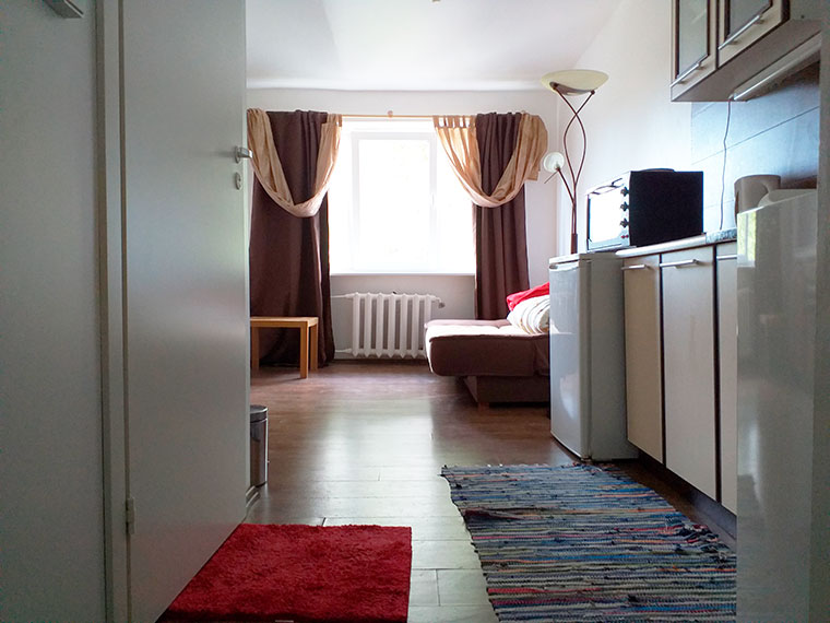 Продажа 1 - комнатная малогабаритная квартира